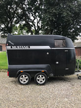 Hestetrailer, Camplet Mustang All Round