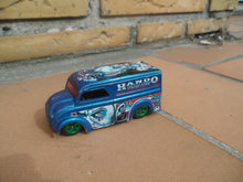 HotWheels Dairy Delivery 1997 Klovn