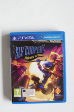 Sly Cooper-Thieves in Time - Til PS VITA