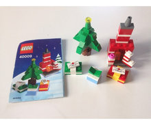 LEGO Seasonal 40009 Christmas Tree and F