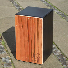 Percussion / cajon