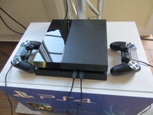 playstation 4 1tb 2 controllere