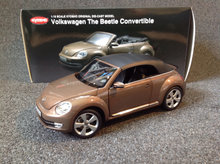 2011 VW The Beetle Cabriolet 1:18