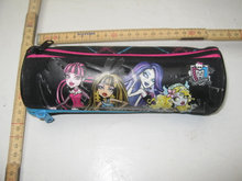 MonsterHigh penalhus