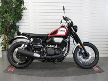 Yamaha SCR 950 Scrambler - Racing Red