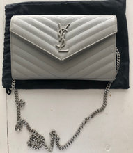 YSL wallet on a chain clutch/Pung