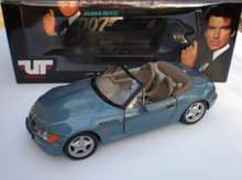 BMW Z3 007 Golden Eye 1:18