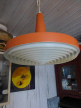 Orange loftslampe fra 70 +