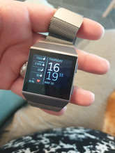 Fitbit ionic smart watch og fitness