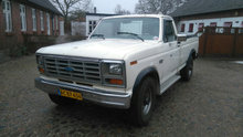 1986 ford f250.