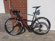 Lækker Specialized Tarmac Carbon cykel